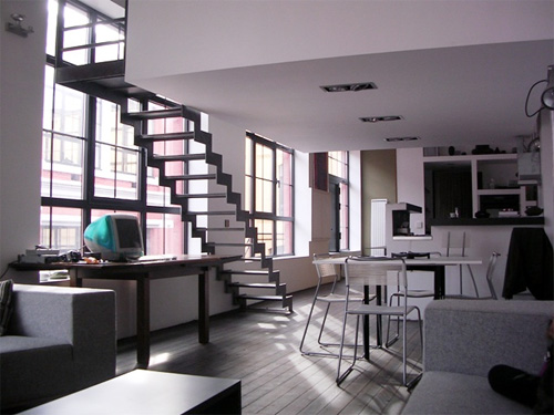 Loftylovin 27 stair design ideas to organize your loft for Idee deco loft new yorkais