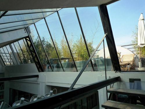verriere pour terrasse rev tements modernes du toit. Black Bedroom Furniture Sets. Home Design Ideas