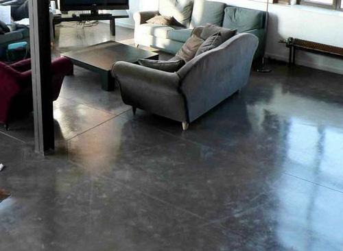 sol beton cire dans une ancienne usine loft a roubaix