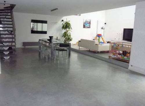 18 sols en b ton cir pour votre loft. Black Bedroom Furniture Sets. Home Design Ideas
