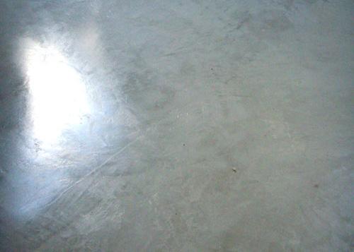 18 sols en b ton cir pour votre loft for Peinture aspect beton