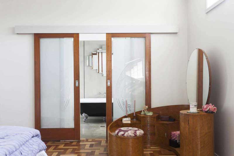 Porte coulissante double bois et verre