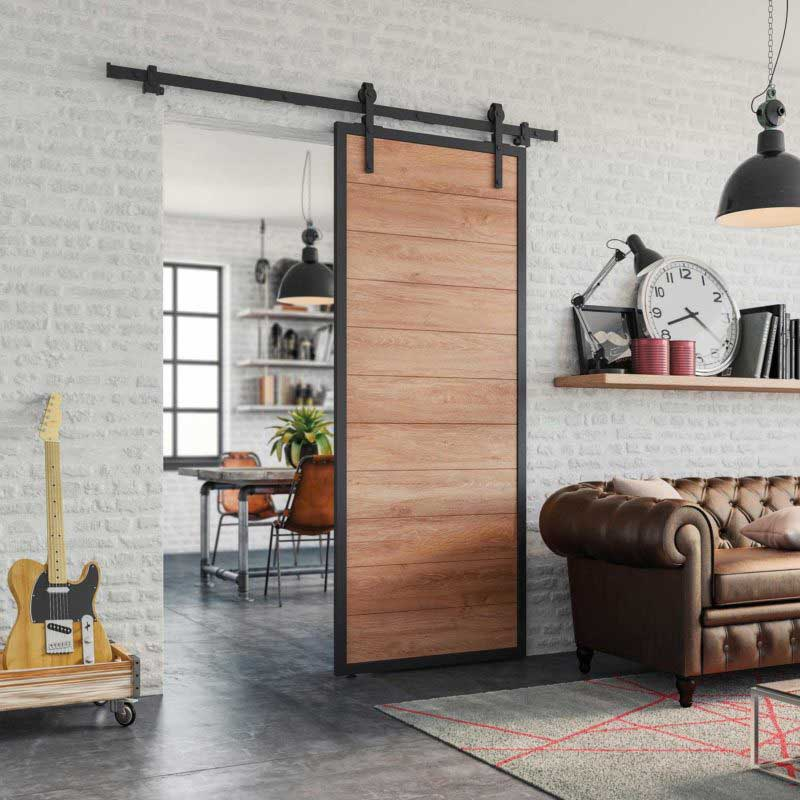 Porte coulissante industrielle en métal et bois