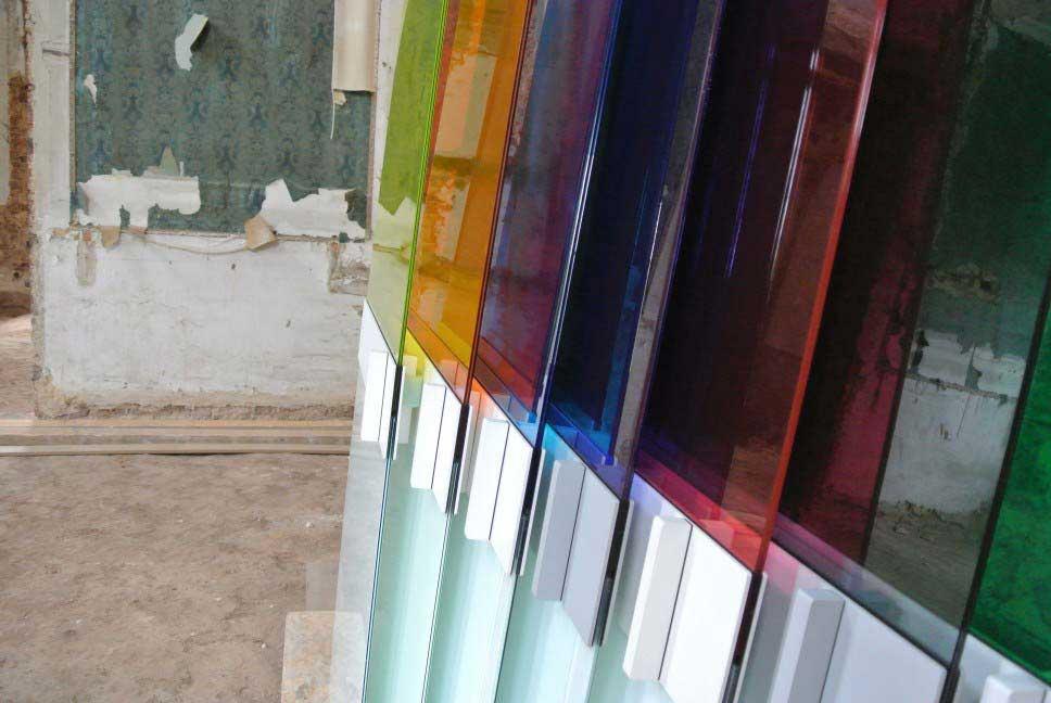 Porte coulissante en verre de couleur - Porte verre de bar ...