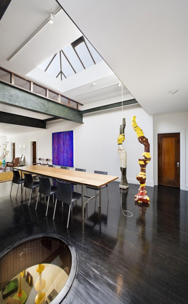 loft arty dans une caserne de pompiers. Black Bedroom Furniture Sets. Home Design Ideas