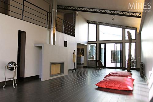 loft contemporain en le de france. Black Bedroom Furniture Sets. Home Design Ideas