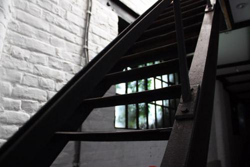 Visite de l 39 usine de leggara - Escalier direct usine ...