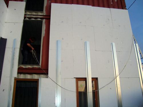 Construction d une maison container marseille for Isoler un conteneur