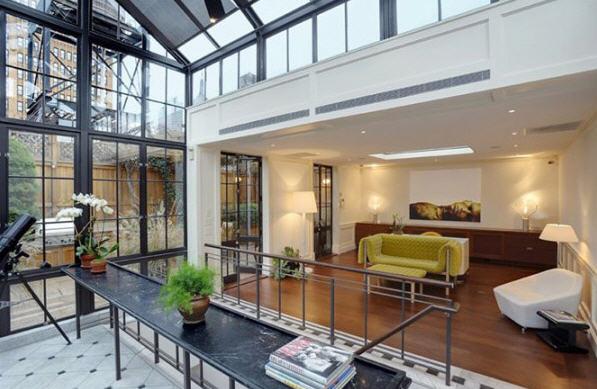 le penthouse esprit loft de thierry mugler. Black Bedroom Furniture Sets. Home Design Ideas