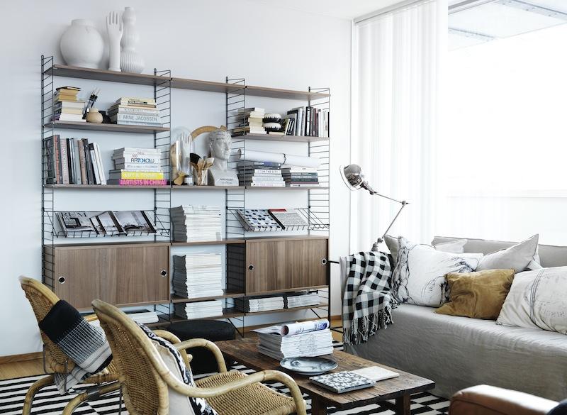 Etagères String Furniture noyer et noir
