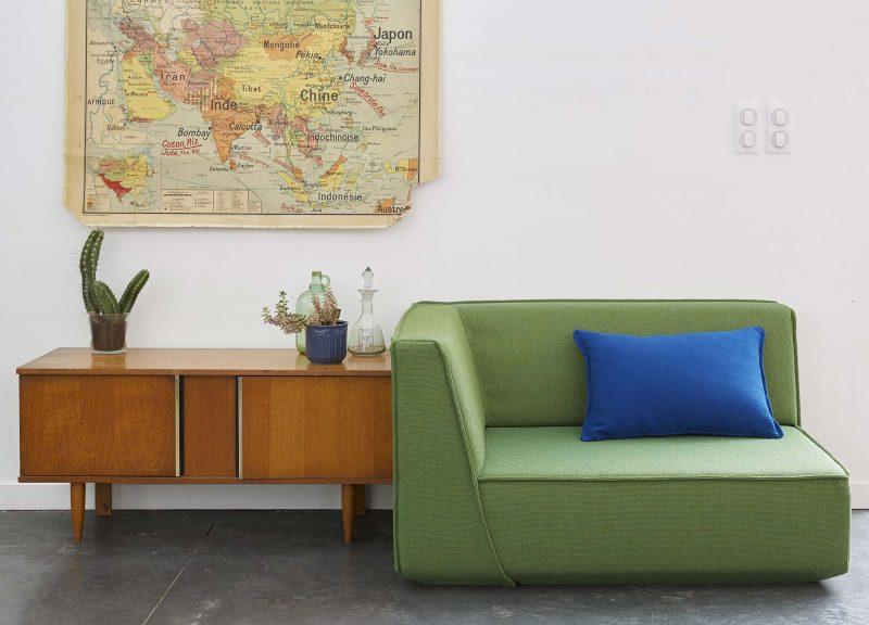Canapé modulaire vert d'angle