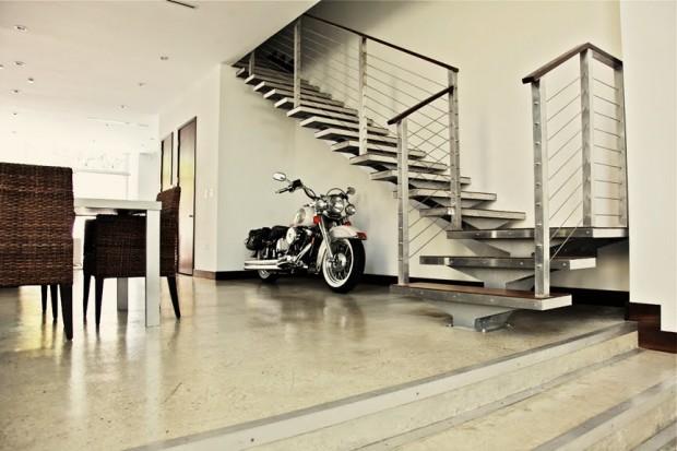 Moto dans un loft