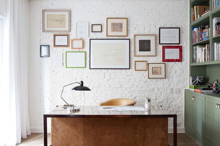Bureau avec mur en brique