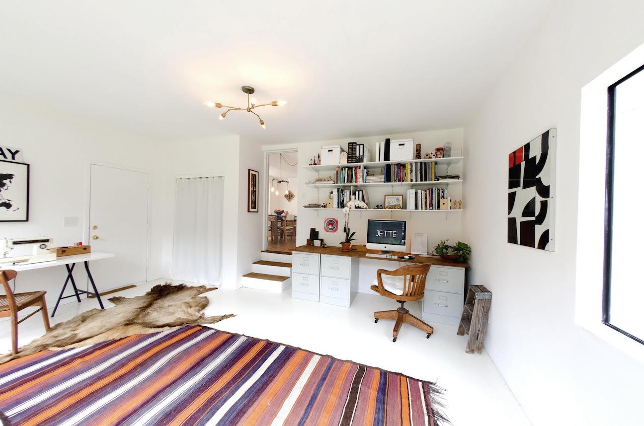 bureau lumineux. Black Bedroom Furniture Sets. Home Design Ideas