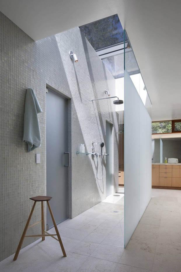 Douche design avec verrière