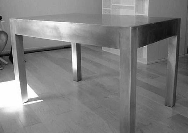 table sur mesure en zinc. Black Bedroom Furniture Sets. Home Design Ideas