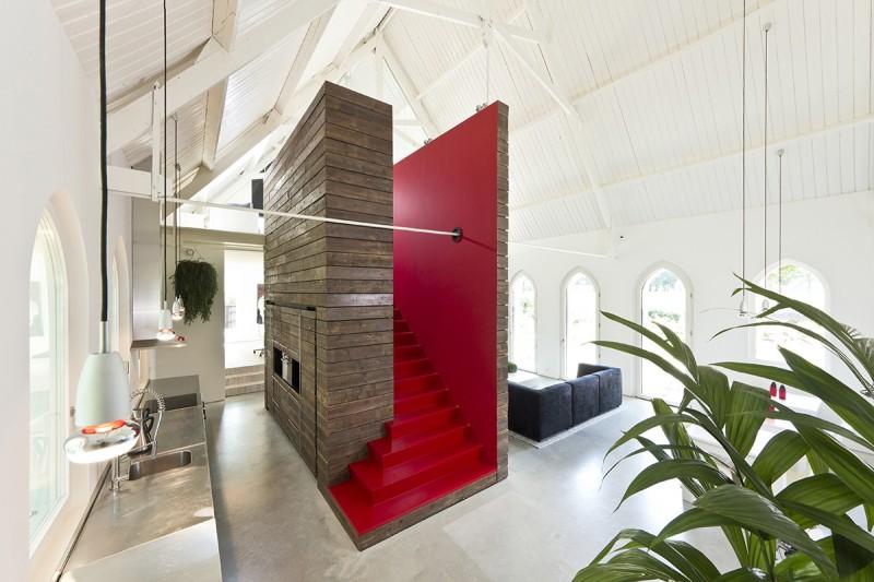 Escalier rouge