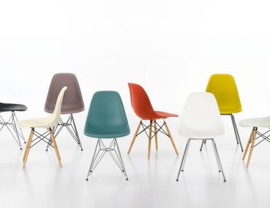 Chaises  Eames par Vitra en ABS