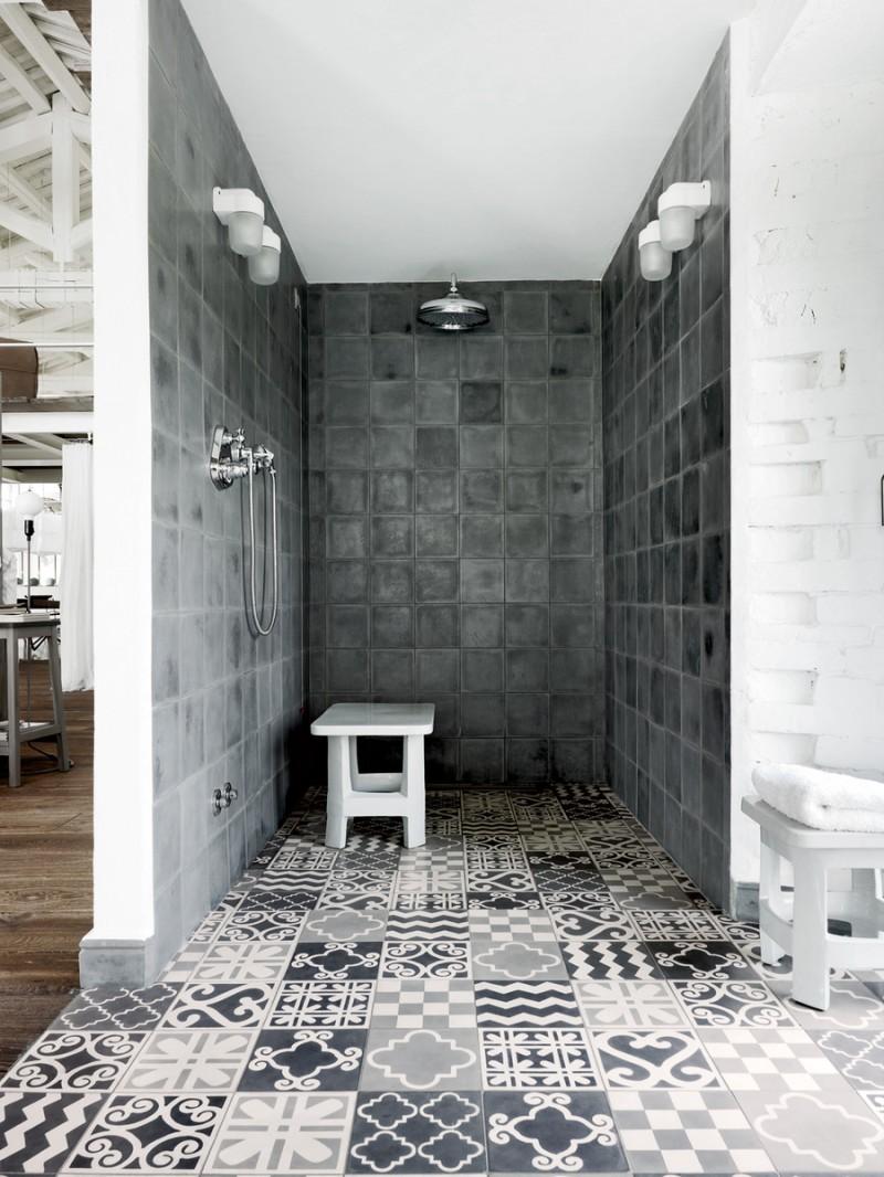Douche à l'italienne avec carreaux de ciment