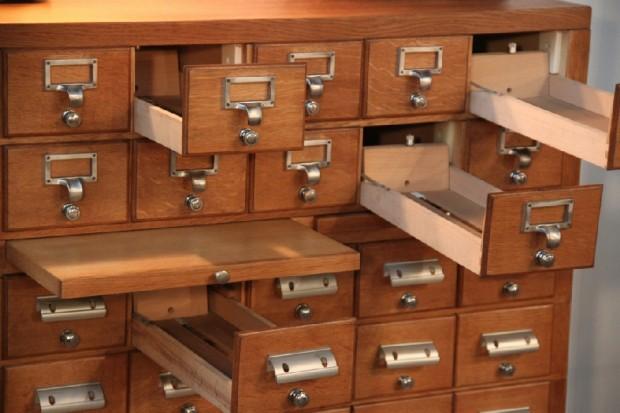 Meuble tiroirs - Mobilier industriel bordeaux ...