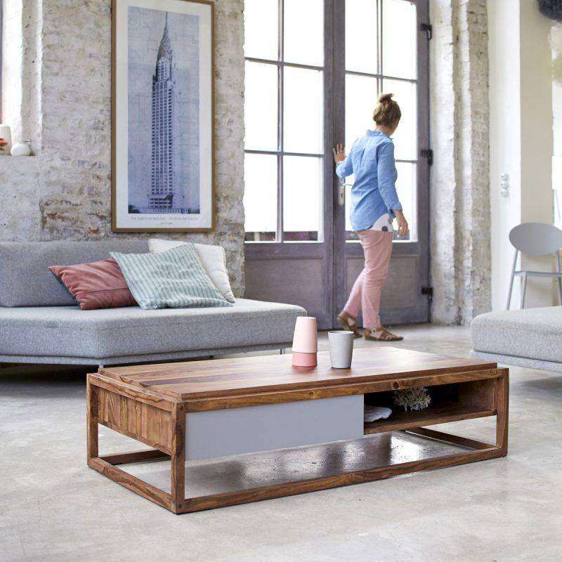 Table basse rectangulaire en bois foncé