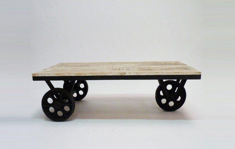 Table basse industrielle à roulettes