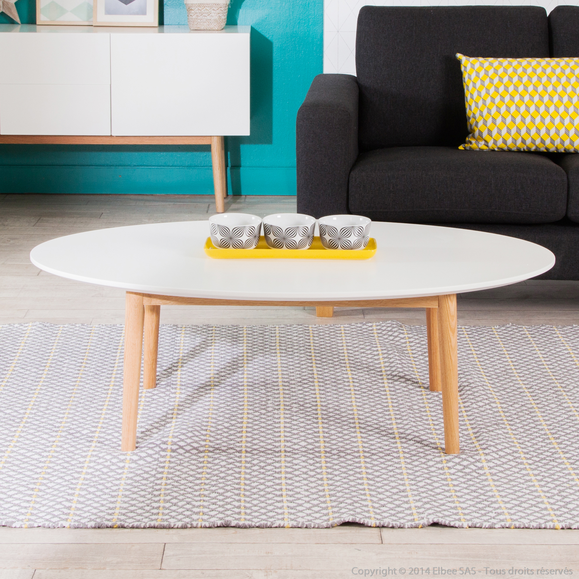 Table basse ovale avec plateau blanc for Table basse scandinave mat