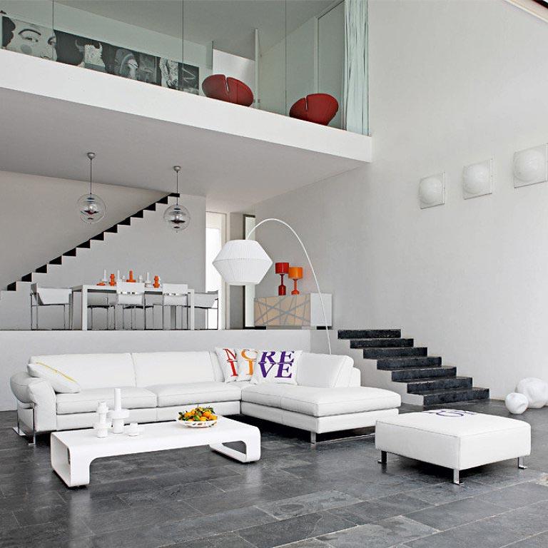 Table basse design par Roche Bobois
