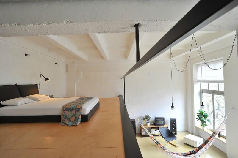 Chambre sur mezzanine sans garde corps
