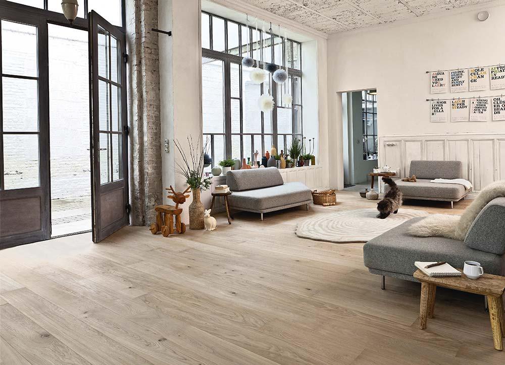 Peinture grise sur portes vitr es for Couleur de peinture pour porte en bois