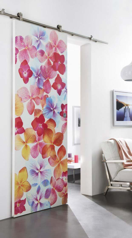Porte avec motifs fleurs