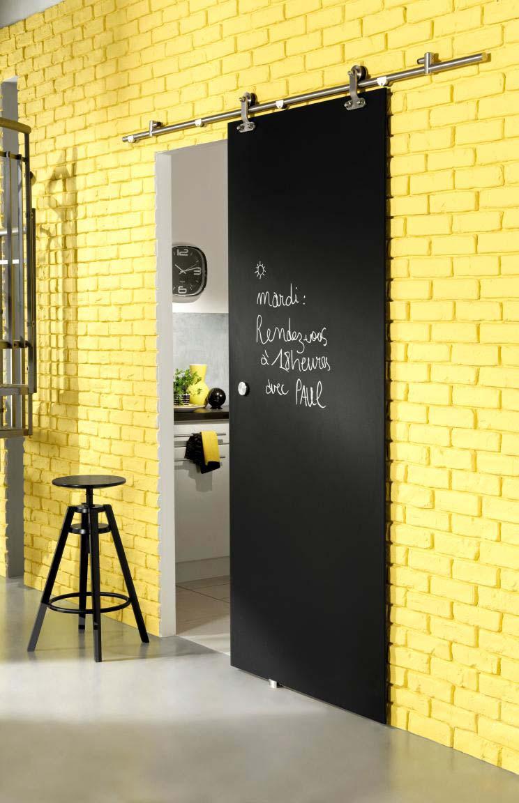 Porte avec peinture ardoise for Idee deco pour porte coulissante