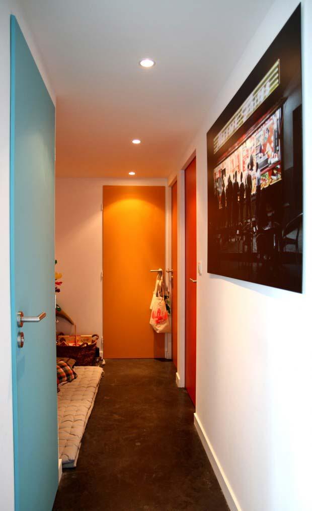 21 id es de couleur de peinture pour vos portes for Peindre porte interieure 2 couleurs