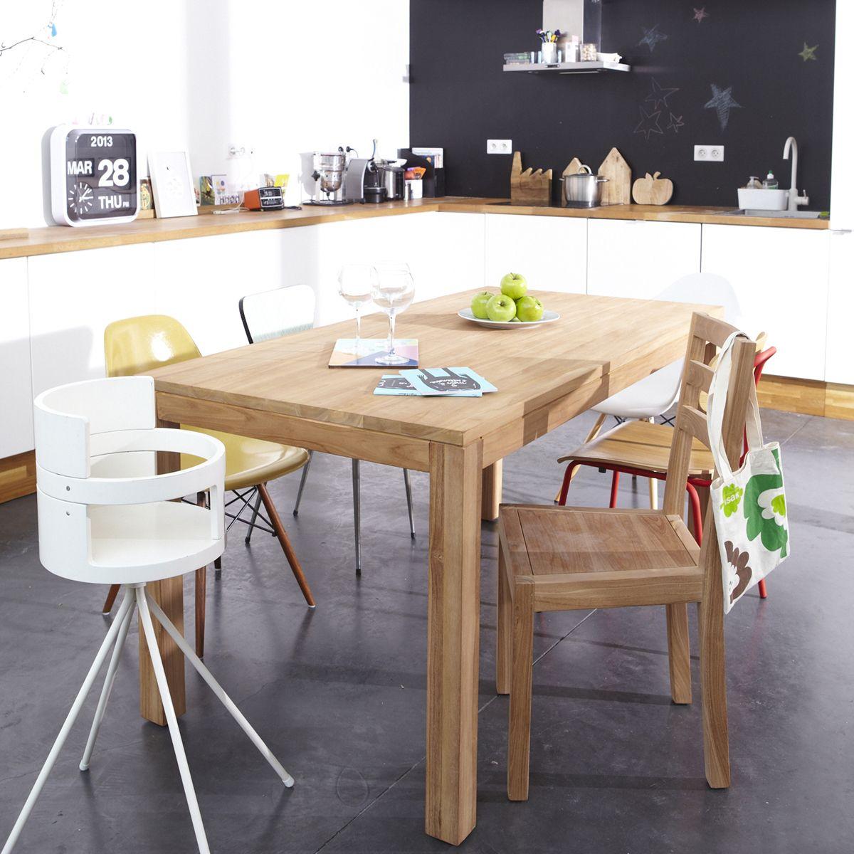 table en bois tikamoon et chaises depareillees. Black Bedroom Furniture Sets. Home Design Ideas