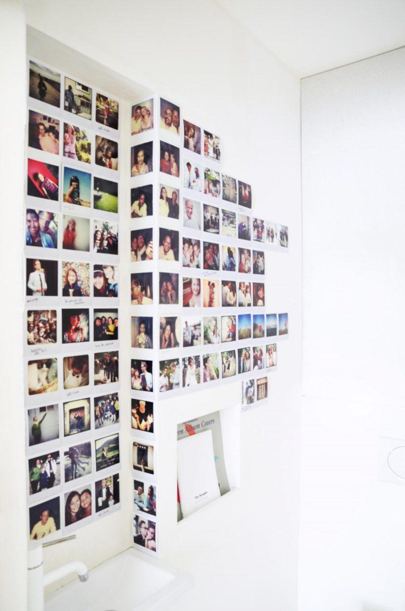 Deco mur polaroid dans des toilettes Habiller un mur de salon