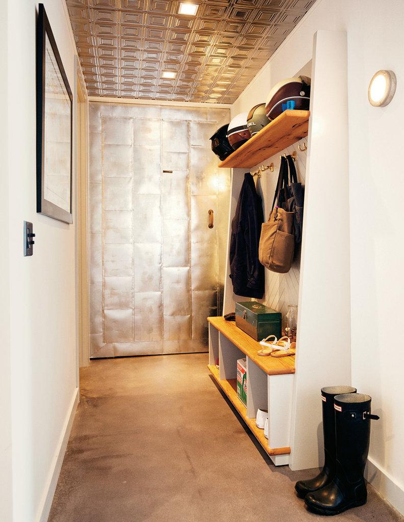 Couloir du loft avec vestiaire