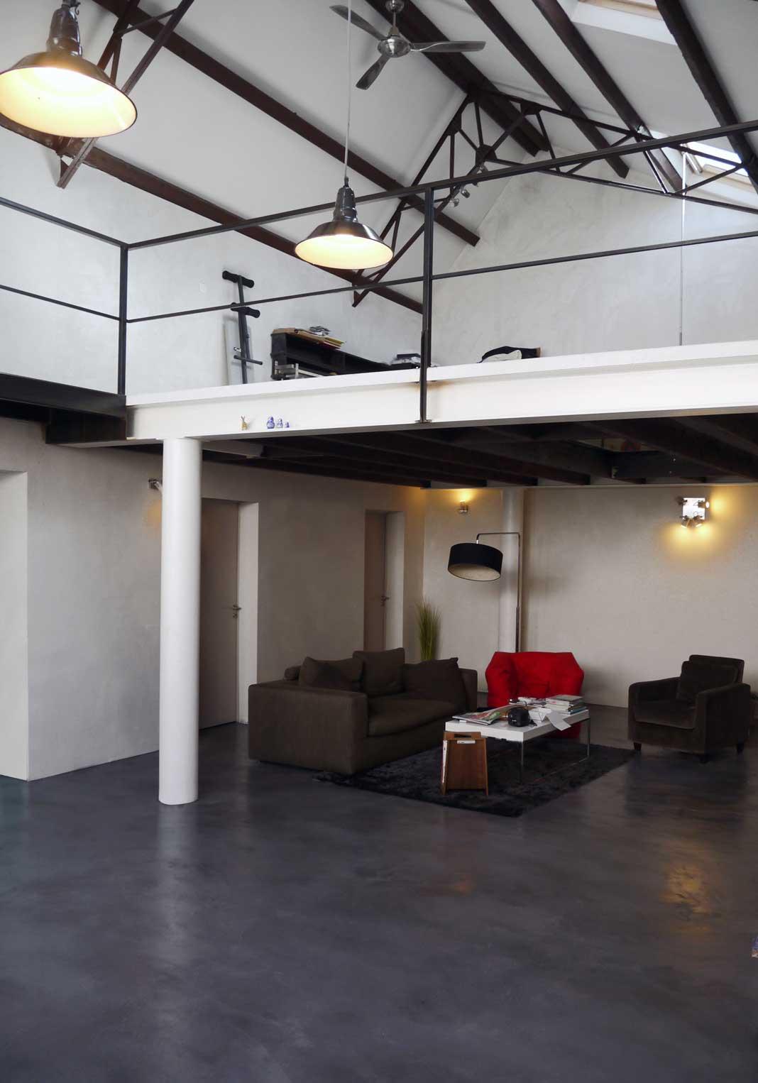 b ton cir gris dans un loft. Black Bedroom Furniture Sets. Home Design Ideas