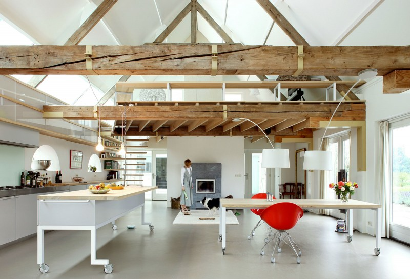 Grange transform e en loft for Campo co interieur