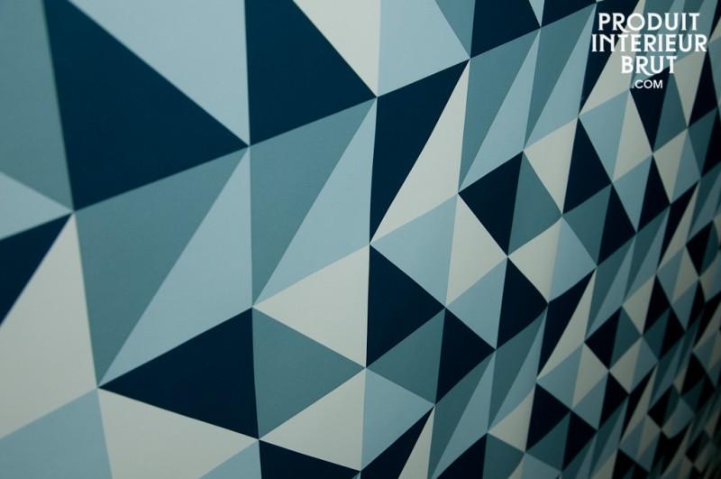 Papier peint à triangles bleus