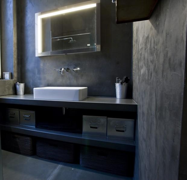 Salle de bains en Ductal et béton ciré taloché