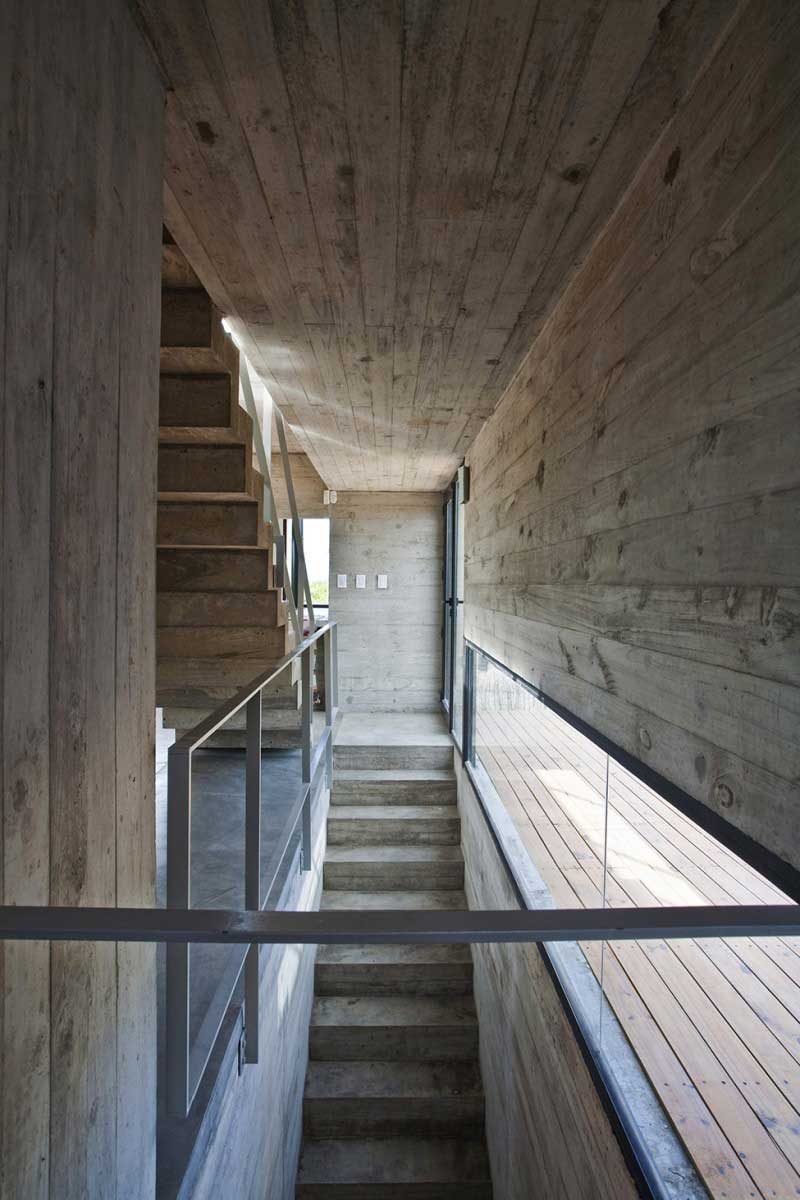 Maison-en-beton-en-argentine-07