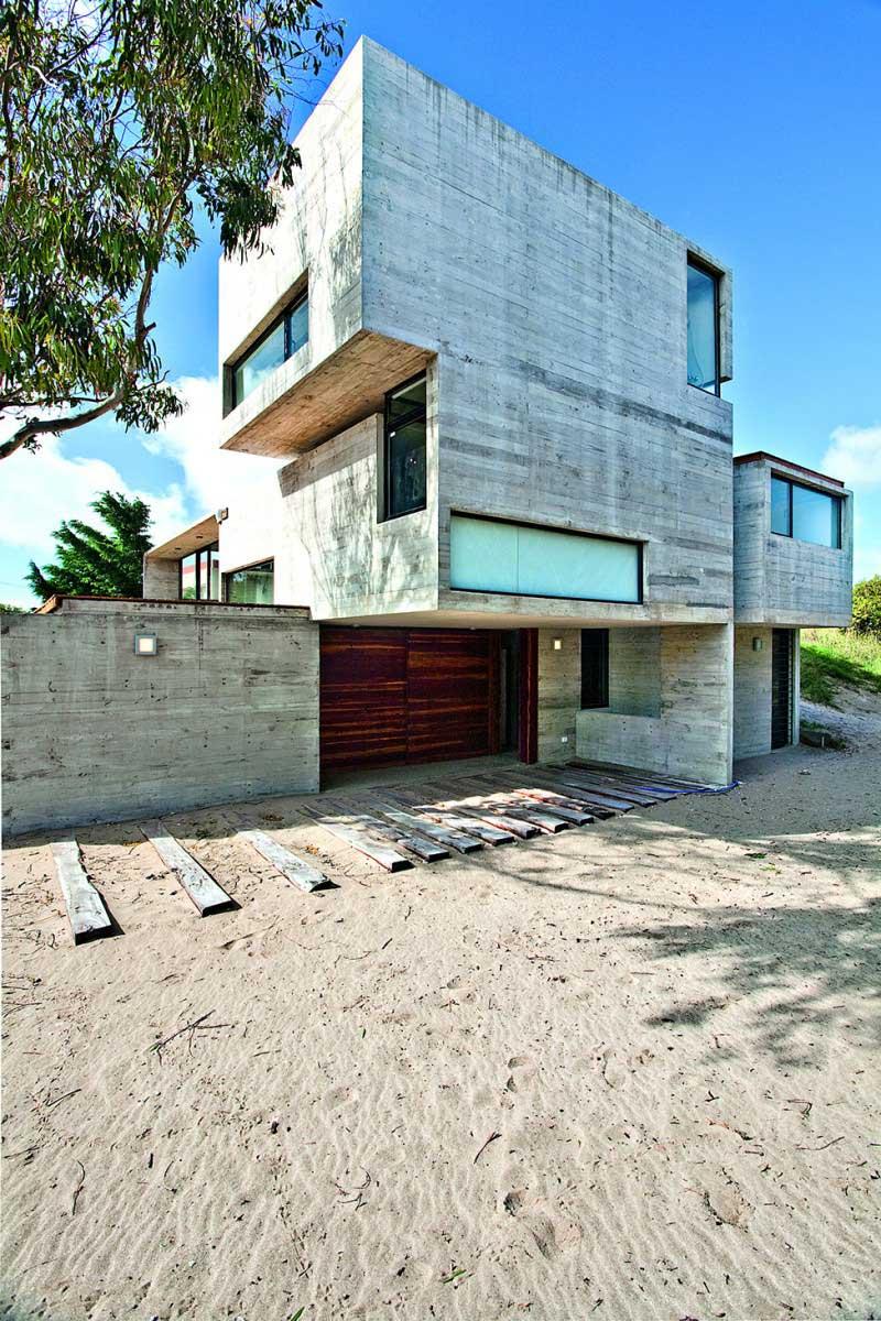 Maison-en-beton-en-argentine-29
