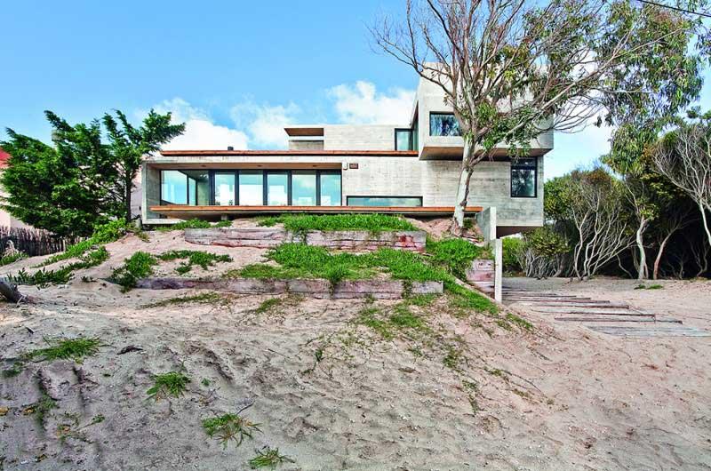 Maison-en-beton-en-argentine-30