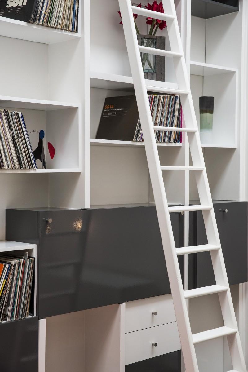 Bibliothèque avec disques vinyles