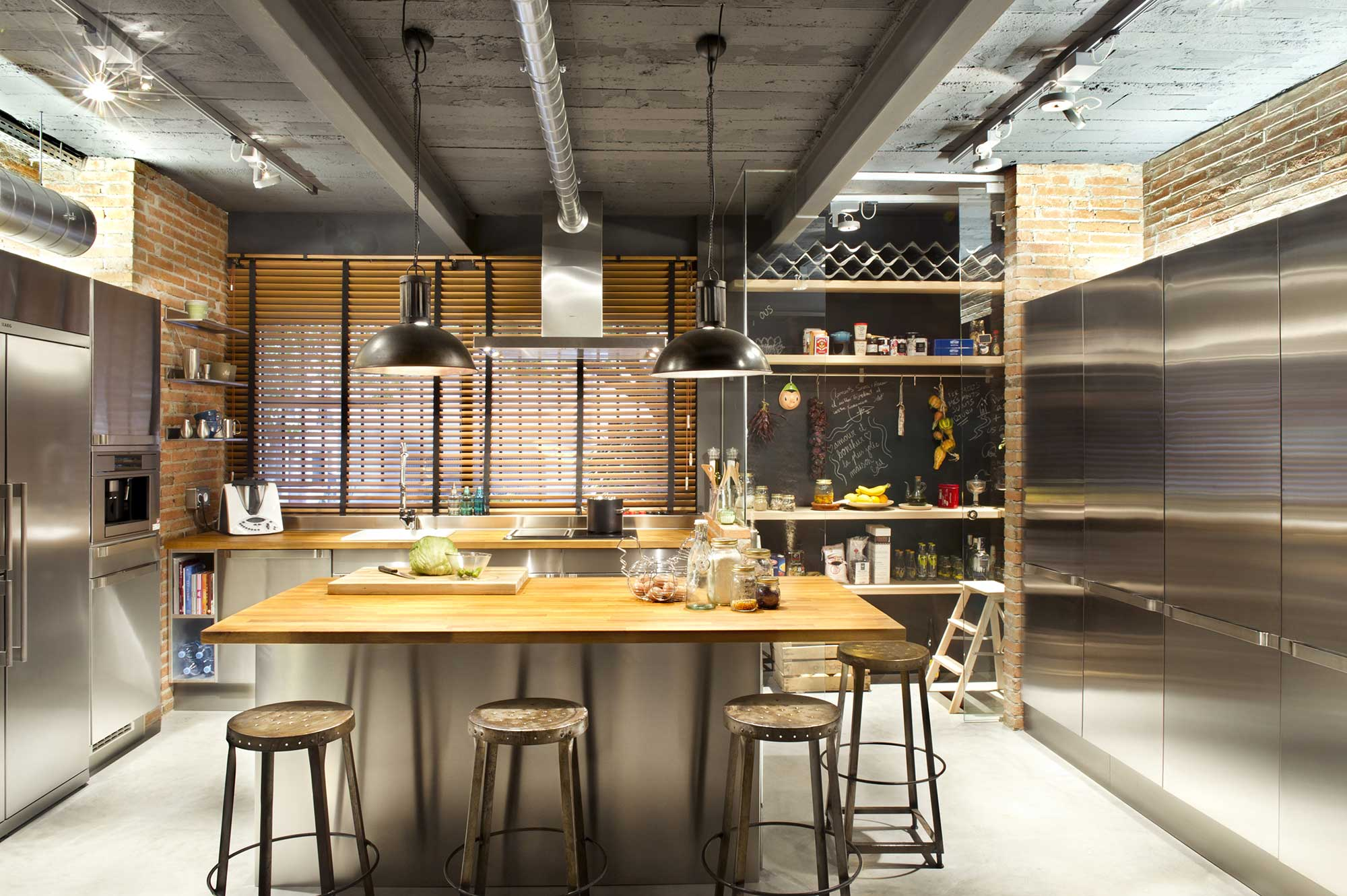 Cuisine avec ilot centrale for Industrial farmhouse plans