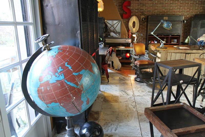 Globe map monde ancien géant