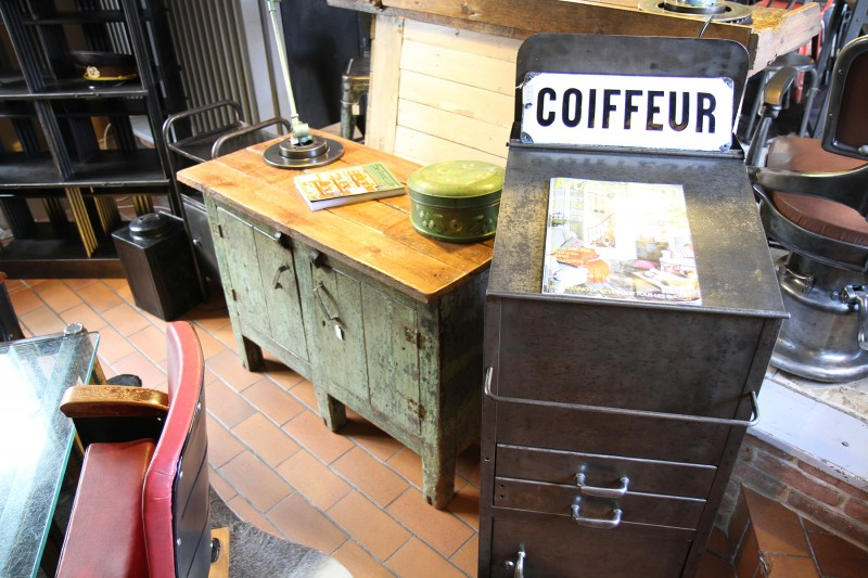 Ancien meuble industriel