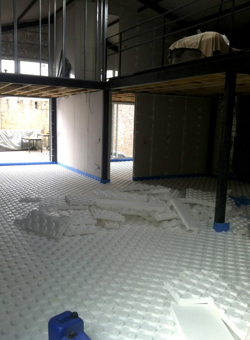 Isolation du sol pour la pose du plancher chauffant