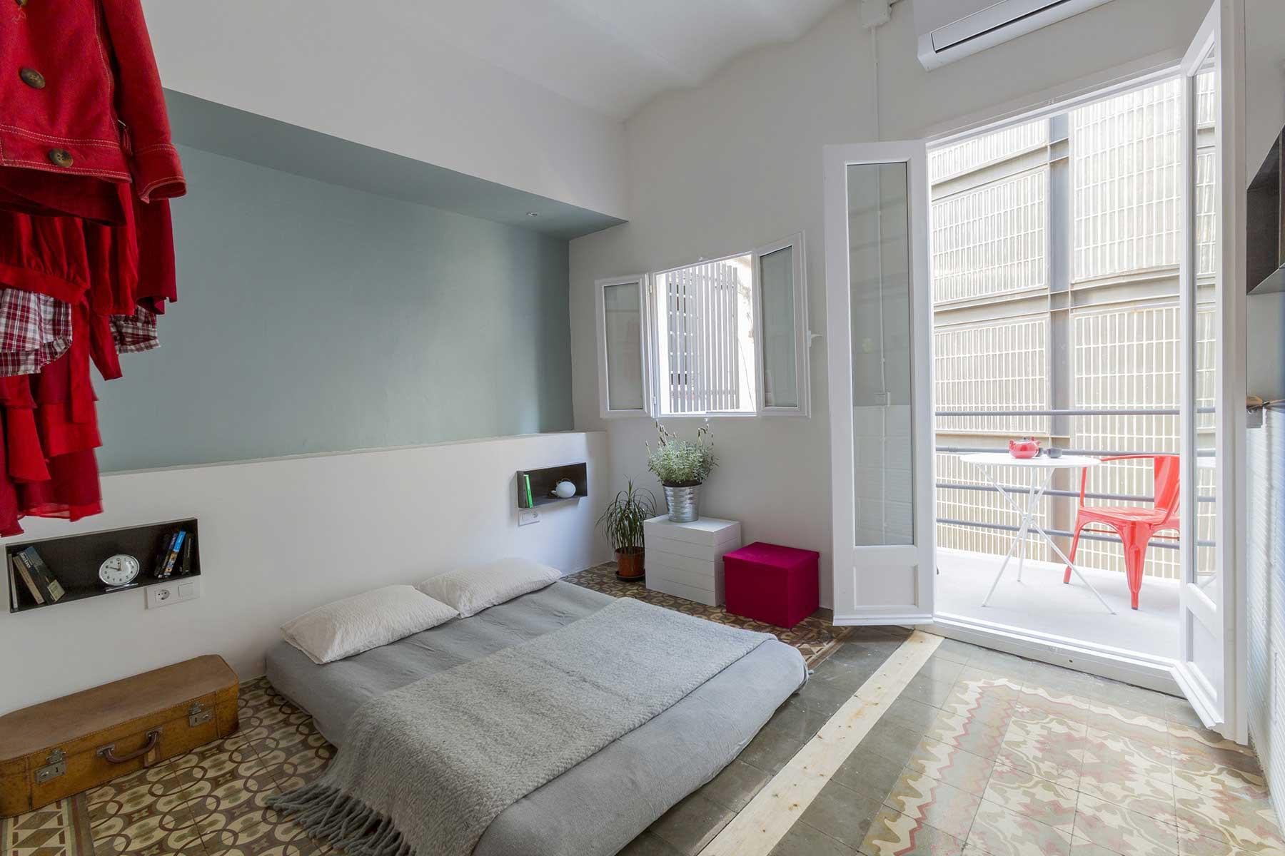 Chambre avec lit au sol