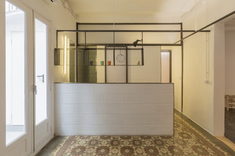 Appartement vintage barcelone par nook architects for Salle de bain carreau ciment